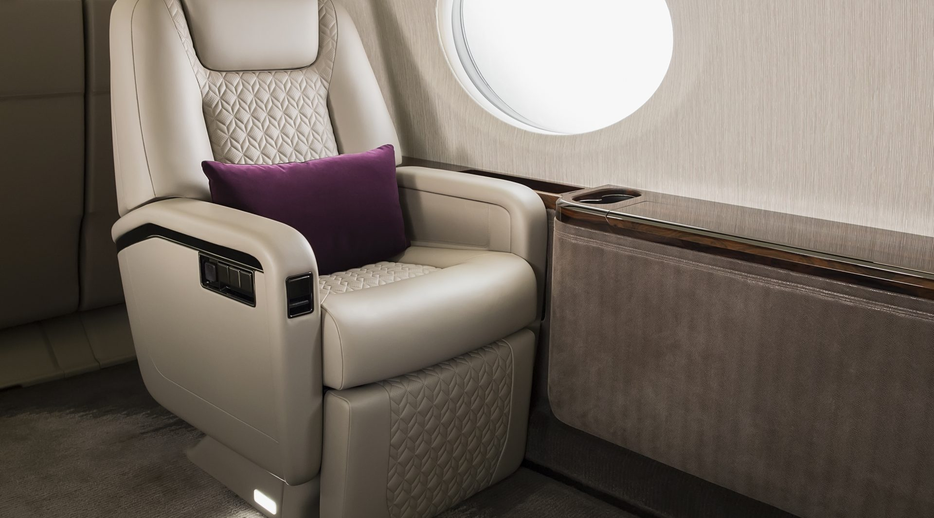 Gulfstream Aerospace Corporation - G500 Seating